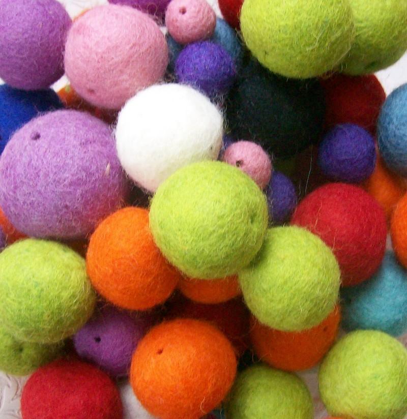 Felt_balls